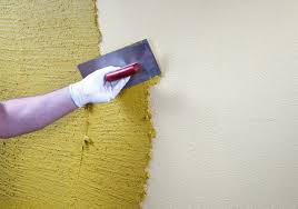 Особенности нанесения декоративной фактурной штукатурки на стены