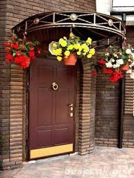 Как решить проблему с промерзанием входной двери на даче или в загородном доме.