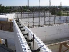 стены из легкого монолитного бетона фото
